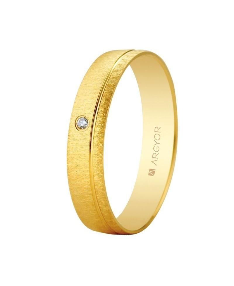 c6533af6a2ea Alianza de oro con diamante texturizada 4